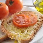 """Chi mangia """"alla mediterranea"""" sta meglio e si allunga la vita"""