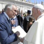 Lotta al dolore dei medici italiani: consegnato un decalogo a Papa Francesco